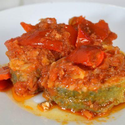 13-09-2015llampuga-con-tomate-y-pimientos2