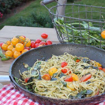 Espaguetis con pesto de albahaca y tomatitos de colores9 (2)