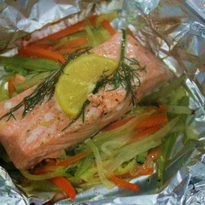 papillote de salmón con juliana de verduras al eneldo9