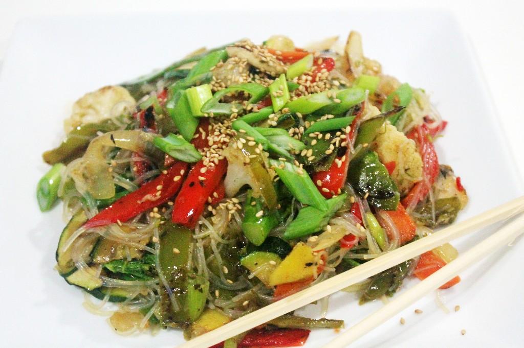 Wok de verduras con fideos de soja